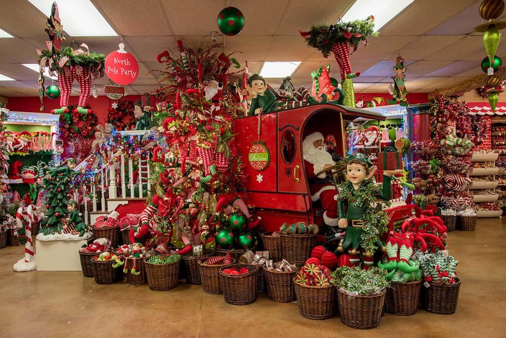 A christmas wonderland decorators warehouse for Christmas decorations near me